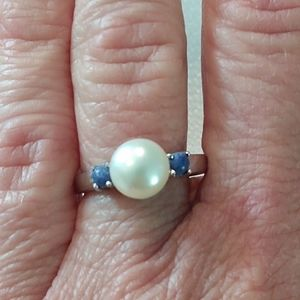 Pearl and 925 Silver Ring